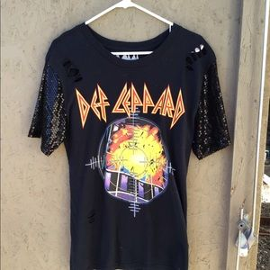 Tops - NEW Def Leppard Band Concert Distressed T Shirt